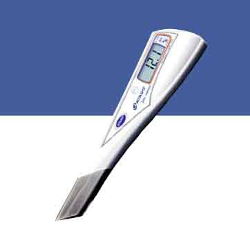 Geneq-DIGITAL-REFRACTOMETER-PEN-HARVEST.jpg