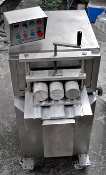 Rectifieuse automatique pour cylindres de béton