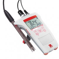 pH portable meter, includes electrodes