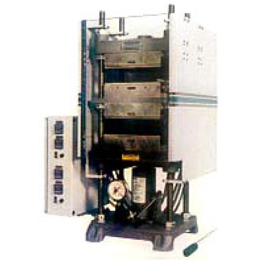 Presses munies de plateaux chauffés, capacité de 25 tonnes